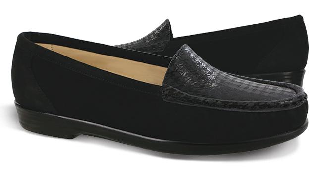 Women's Simplify Slip On Loafer